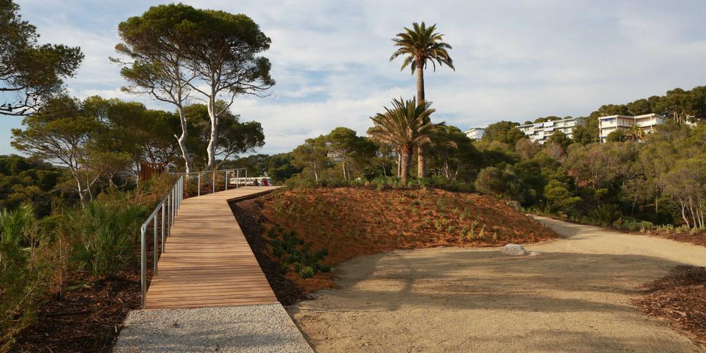 Descubre el parque y mirador de Cala Morisca