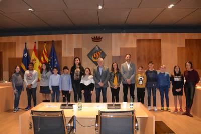 El alcalde de Salou preside la constitución del Consell Municipal d'Infància, un nuevo órgano formado por doce estudiantes de los centros escolares