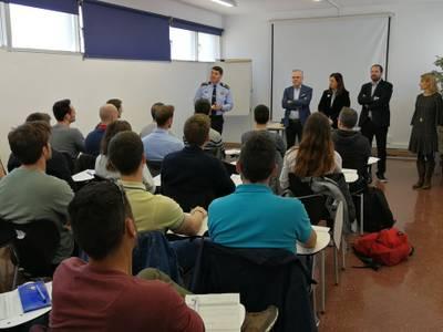 Se inicia el curso de formación impartido por el Instituto de Seguridad Pública de Cataluña en el cuartel de la policía de Salou