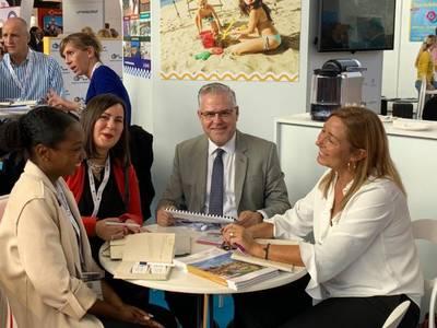 El alcalde de Salou destaca, en París, la importancia de 'desestacionalitzar' y trabajar para que 'el turismo francés nos visite desde Semana Santa, a finales de junio'