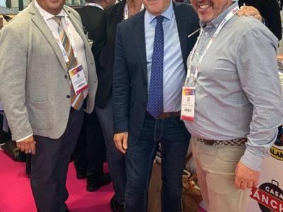 El alcalde de Salou, Pere Granados, asiste a la International French Travel Market (IFTM) Top - Resa en París