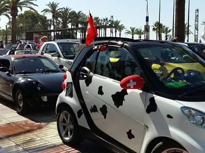 Salou llena de 'smart lovers' y 1.200 coches 'smart' el paseo Jaume I