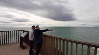 Visita al entorno natural de la Cala Morisca, en el marco de la Jornada sobre turismo en familia y sostenible
