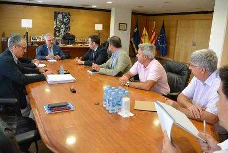 El alcalde Pere Granados se reúne con directivos de Adif e INECO para hablar sobre el Corredor del Mediterráneo y para la presentación de la estación provisional Salou-PortAventura