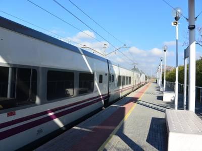 El alcalde de Salou, Pere Granados, pide a Renfe que los trenes TGN - BCN y viceversa tengan origen y final Salou-PortAventura