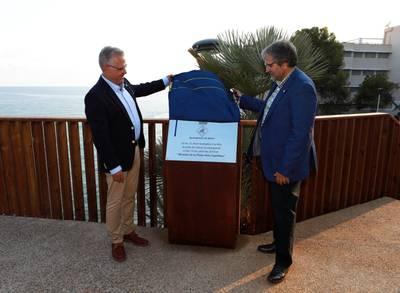 Salou renueva el parque público de la playa Capellans con trabajos de mejora integral y la instalación de un mirador