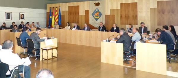 El pleno del Ayuntamiento de Salou aprueba con un amplio consenso las ordenanzas fiscales que reducen de un 2% el IBI y congelan el resto de tasas e impuestos