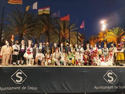El 1r Congrés Internacional de Ball de Bastons y la 46a Trobada Nacional de Ball de Bastons de Catalunya hacen historia en Salou, con la participación de más de 2.000 personas