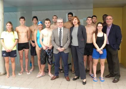 El alcalde de Salou inaugura el curso de Socorrismo que fomenta el empleo entre los jóvenes