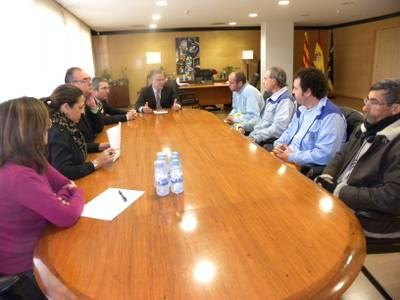 El alcalde de Salou interviene en el conflicto con los trabajadores de la concesionaria Azahar