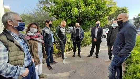 El alcalde de Salou visita la Asociación de Asistencia Social Eluzai y la alienta a continuar con su labor de ayuda a las personas más necesitadas