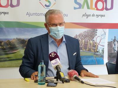El alcalde Pere Granados remarca el buen cumplimiento de las normas sanitarias por parte de los establecimientos y actividades empresariales de Salou, a pesar de haber tenido que clausurar tres locales de ocio nocturno
