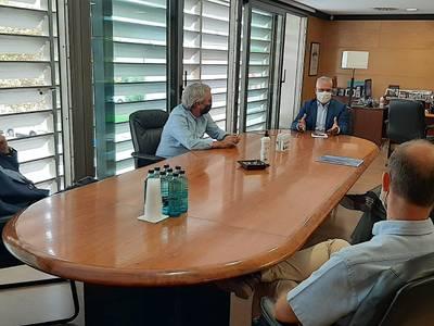 El alcalde Pere Granados se reúne con el nuevo presidente de la Associació Hotelera, Jaume Orteu, para consolidar el buen posicionamiento del municipio a nivel turístico y construir el Salou del futuro