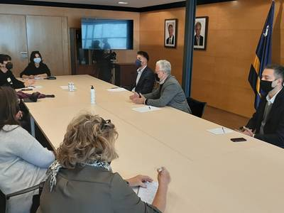 El Ayuntamiento de Salou acuerda con las asociaciones comerciales y de la restauración algunas ayudas para este año 2021