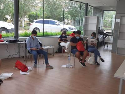 El Ayuntamiento de Salou colabora con Cruz Roja en la nueva campaña de sensibilización sobre la COVID-19, dirigida a los jóvenes en espacios de ocio