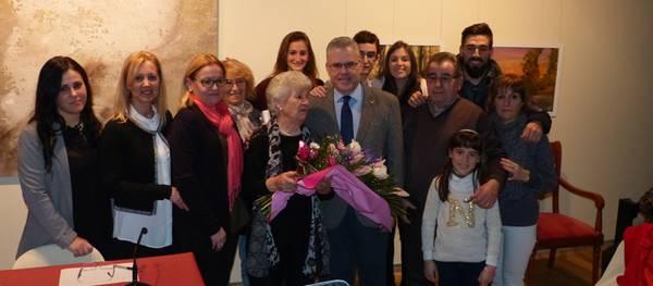 Homenaje a Josepa Morell, como mujer mayor de Salou