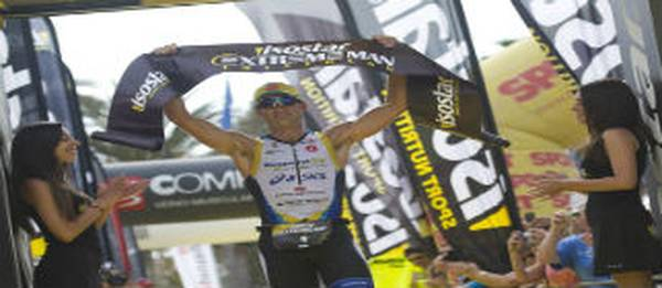 ISOSTAR EXTREME MAN Salou corona a Marcel Zamora y Dolça Olle