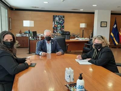 La Asociación Empresarial Turística de Salou (ASETS) propone al alcalde Pere Granados algunas medidas para afrontar la grave situación que sufren las actividades comerciales y de ocio salouense