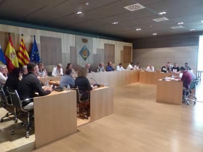 La Corporación en pleno aprueba el hermanamiento de Salou con el municipio de Calvià