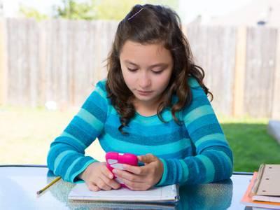 Salou impulsa la nueva campaña de atención a la juventud ''Jove! Aquí t'escoltem!', con la creación de un servicio personal y confidencial