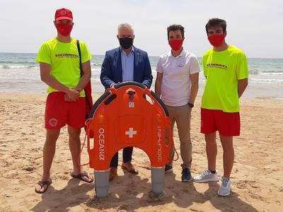 Salou presenta un dron acuático de rescate para los trabajos de socorrismo en las playas